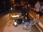 Xe 'điên' do người Hàn Quốc lái phi qua đường đâm hàng loạt xe máy