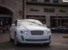 Fan cuồng của Bentley biến Toyota Venza thành Bentayga