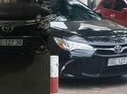 Hai chiếc Toyota Camry tại Hà Nội đeo biển số giống hệt nhau gây xôn xao