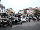 Hà Nội: Dàn xe đủ loại tập trung ngày mùng 1 Tết