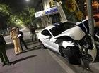 """Huế: Đâm vào trụ đèn, Ford Mustang 2015 """"nát đầu"""""""
