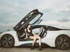 Hot girl Việt gợi cảm bên BMW i8