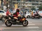 Cô gái Sài Gòn lái siêu môtô đi xem bóng đá