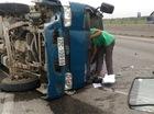 Nghệ An: Tông vào dải phân cách, xe tải lật nhiều vòng, tài xế và phụ xe bị thương nhẹ