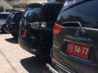 Phạt 3 xe biển đỏ đậu trên vỉa hè Sài Gòn