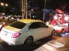 Mercedes-Benz C200 của người mẫu chụp ảnh khỏa thân bên ngựa bị kéo về phường