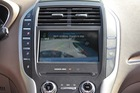 """Đỗ xe song song: Người lái """"siêu"""" hơn hay công nghệ tốt hơn?"""