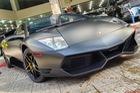 Xem Lamborghini Murcielago SV của Minh Nhựa vào showroom