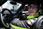 Cậu bé 13 tuổi lái siêu xe Bugatti Veyron của bố lên 322 km/h