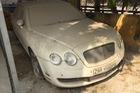 Xót xa với cảnh Bentley Continental Flying Spur đời cũ phủ bụi dày đặc tại Hà Nội