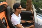Xem Cristiano Ronaldo cầm lái siêu xe Bugatti Veyron mui trần mới mua