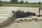 Hà Nam: Mô tô phân khối lớn va chạm với xe tải, một biker nhập viện