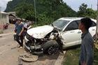 Tuyên Quang: Đối đầu xe SUV Trung Quốc, xe bồn chở xăng rụng bánh