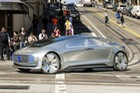 Mercedes-Benz: Ô tô tự lái thà đâm một đứa trẻ còn hơn gây nguy hiểm cho người trong xe