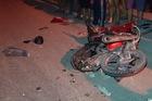 Va chạm với xe cứu hộ trong đêm, nam thanh niên bị kéo lê hàng chục mét