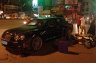 Hà Nội: Va chạm cùng Honda Dream, Bentley tiền tỷ hư hỏng nặng
