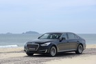 Hyundai Genesis G90 –