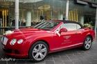 Sau nghịch cát, Bentley Continental GTC đóng vai xe đón dâu
