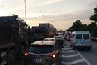 Hà Nội: Xe container tông vào ô tô khiến cao tốc Pháp Vân-Cầu Giẽ ùn tắc nghiêm trọng