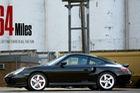 Làm quen với Porsche 911 Turbo chạy nhiều như