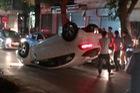 Hà Nội: KIA Rio lật ngửa bụng trong đêm