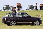 Khám phá bộ sưu tập xe trị giá khoảng 290 tỷ Đồng của Nữ hoàng Anh
