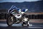 Mô tô siêu nhẹ và công nghệ cao BMW HP4 Race 2017 có giá ngang xe hơi hạng sang