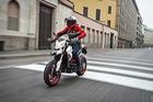 Ducati Hypermotard 939 2018 có thêm màu sơn trắng nổi bật