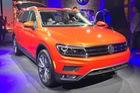 Cận cảnh SUV gia đình 7 chỗ Volkswagen Tiguan 2018 ngoài đời thực