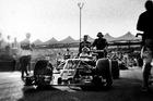 Đường đua F1 đẹp mộng mị qua máy ảnh phim 104 tuổi