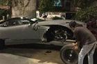 Aston Martin DB11 đầu tiên gặp nạn trên thế giới ở Mexico