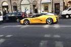 Sau Porsche 918 Spyder, sao bóng đá Ibrahimovic lại tậu Ferrari LaFerrari