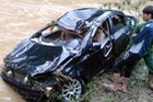 Nước lũ cuốn trôi ô tô, một người tử vong