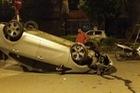 Hà Nội: Tài xế chạy tốc độ cao, mất lái, Kia Rio