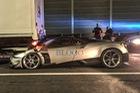 Siêu xe cực hiếm, cực đắt, Pagani Huayra BC rúc gầm xe tải tại Ý