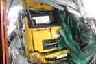 Hai mẹ đang con ngủ trong nhà bị xe container tông chết