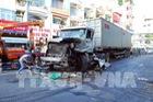 Tp. Hồ Chí Minh: Xe container mất lái đâm xe buýt, ít nhất 10 người bị thương