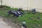 Nghi vấn ô tô cố tình tông xe máy khiến 2 người nguy kịch