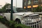 Hà Nội: Tông vào lan can, Range Rover Autobiography 8 tỷ Đồng hư hỏng nặng nề