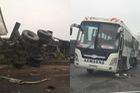 Tai nạn nghiêm trọng trên cao tốc Thái Nguyên - Hà Nội, 2 người bị thương nặng