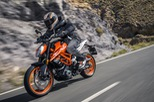 KTM 390 Duke 2017: Lột xác hoàn toàn, công nghệ cao hơn