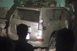 Quảng Ninh: SUV hạng sang Lexus GX460 đâm thủng tường, chui vào nhà dân