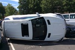 Lái thử Mercedes-Benz GLE của đại lý, một phụ nữ gây tai nạn liên hoàn