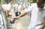 """Những cách chống """"vặt gương"""" cho ô tô chỉ có thể ở Việt Nam"""