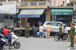 Hyundai Santa Fe lao lên vỉa hè, đâm hàng loạt xe máy tại Huế