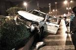 Quảng Ninh: Va chạm với Toyota Land Cruiser Prado, xe bán tải Ford Ranger Wildtrak nát đầu
