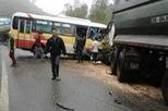 Thái Nguyên: Xe buýt đâm ô tô tải, 9 người thương vong