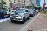 Hà Nội: Đường vắng hay tắc, có dải phân cách cứng, BRT vẫn bị chiếm làn