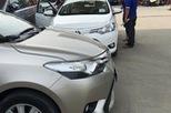 Giá xe ô tô giảm mạnh, khách mua vẫn