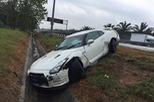 Video Nissan GTR gặp nạn nghiêm trọng trên đường cao tốc ở Malaysia